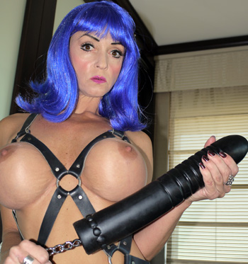 Summer Cummings with her boy breaker punishment Dildo